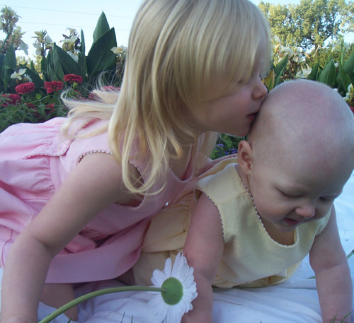 Syd kisses Natty in Park_edited-1