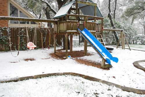 Snow 10 b